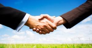 Handshake_Green_Commi_Carouselt_iS
