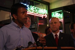 Louisiana Gov. Jindal Joins Local Officials, Restaurant Owners to Rally for Louisiana's Seafood Industry