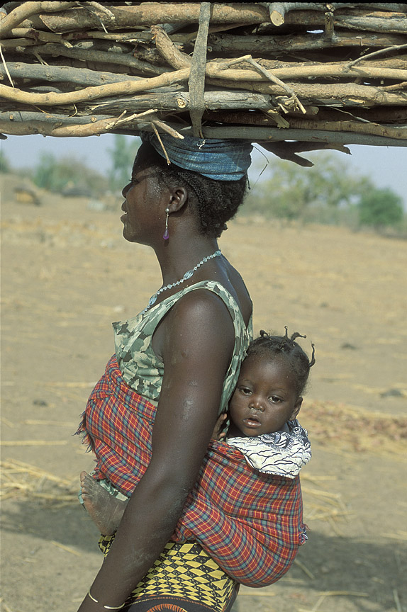 Poverty woman and baby world bank jpg