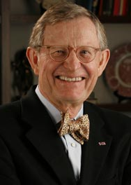 Departing Ohio State University President E. Gordon Gee